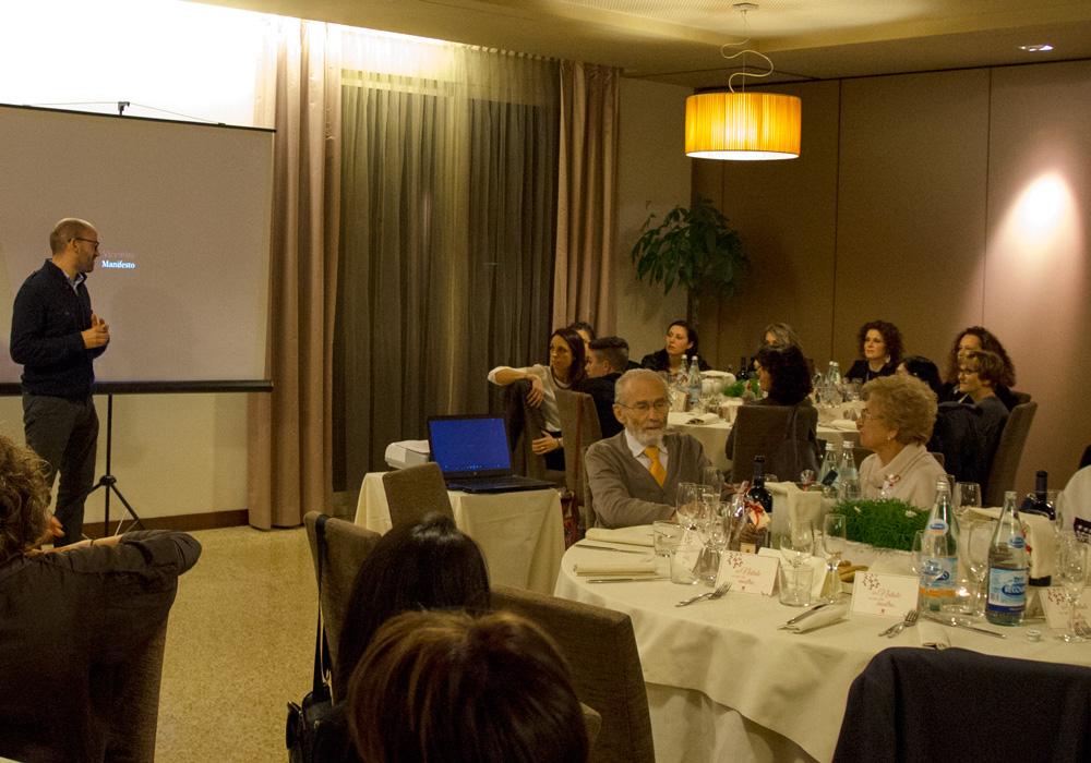 In occasione della cena di Natale con i quaranta collaboratori, abbiamo affiancato la famiglia Vicentini nella presentazione del lavoro fatto.